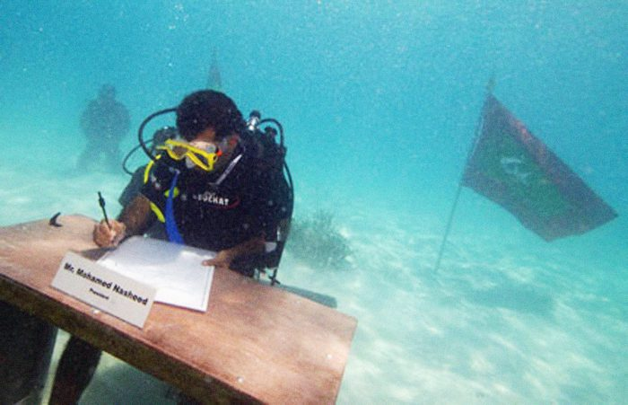 11_President Nasheed underwater cabinet meeting Maldives 2009 copy