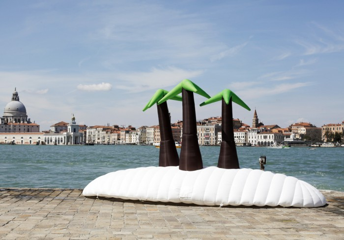 Island-on-square-Venice