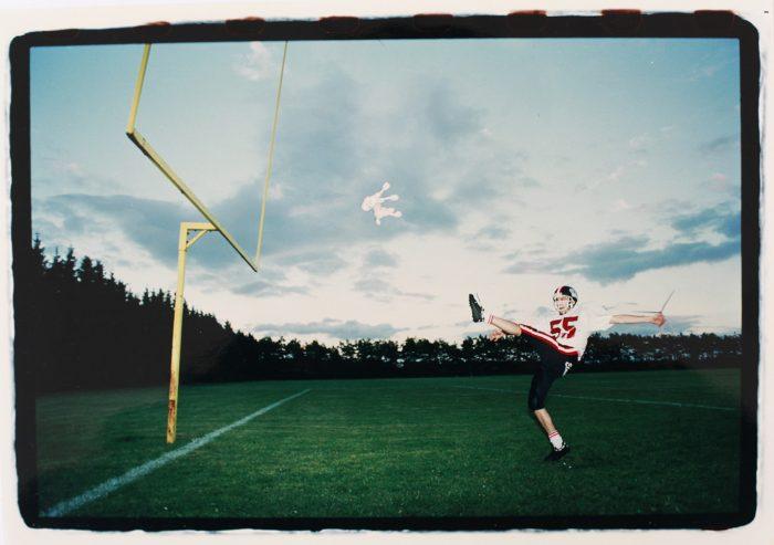 Søren Dahlgaard Pink Poodle Football kick web